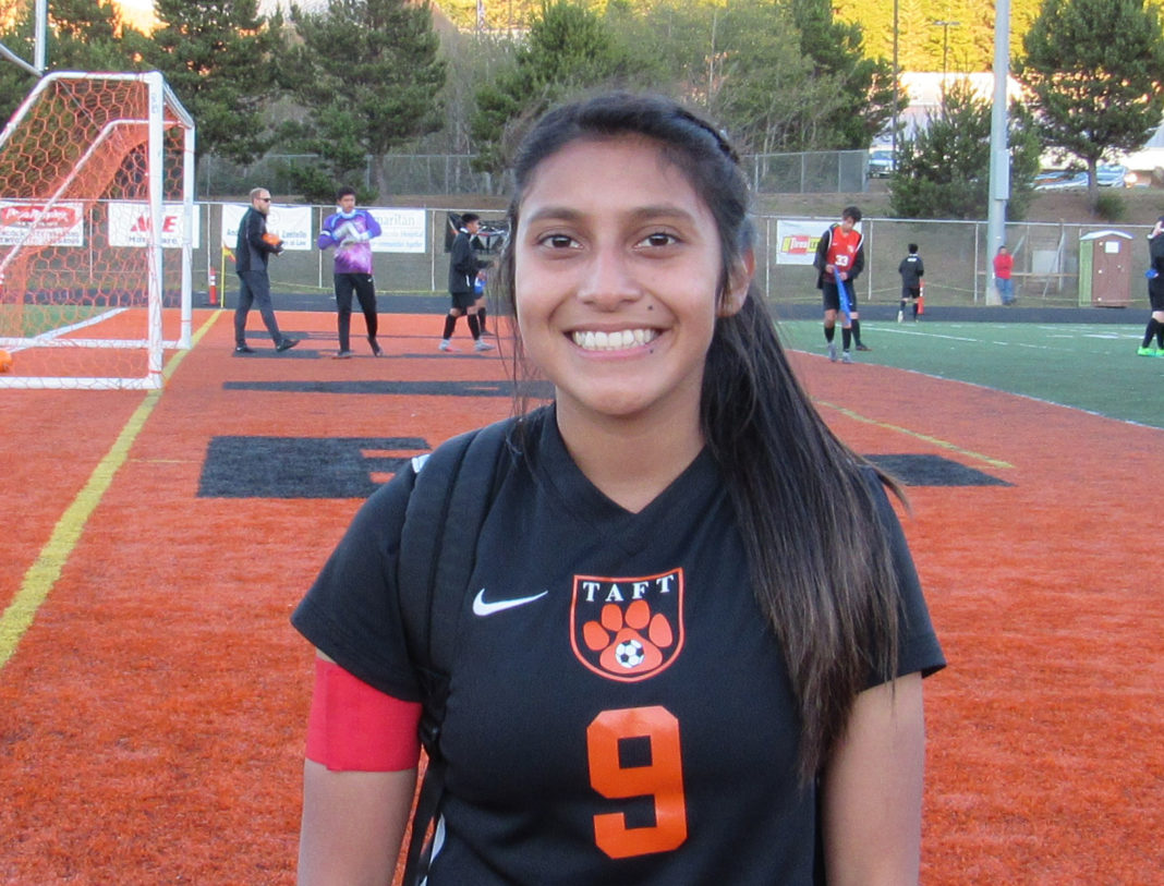 Taft High soccer player Ana Ortiz