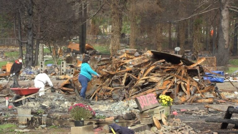 Volunteers raise spirits, hope amid wildfire ashes