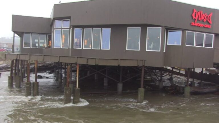 King Tide hits Kyllo's Seafood Grill, again